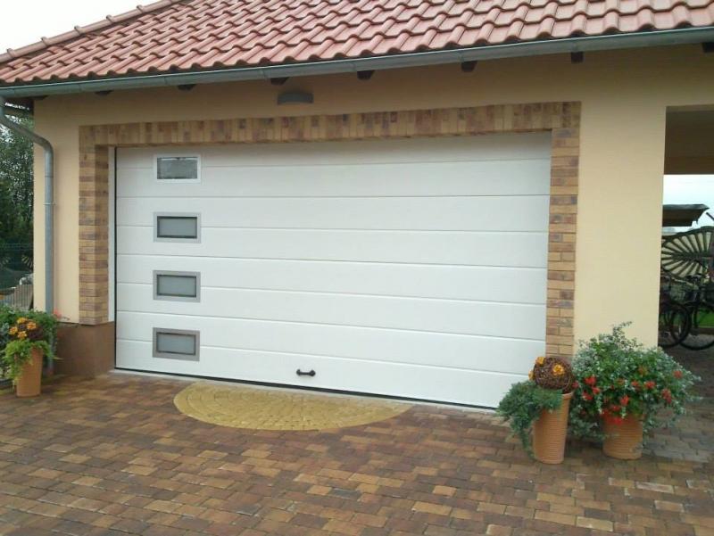 Bramy segmentowe garażowe